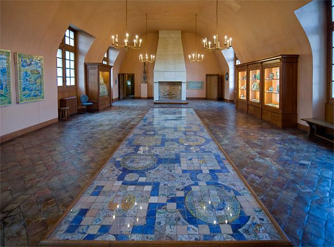 Замок Экуан он же музей Ренессанса 17186