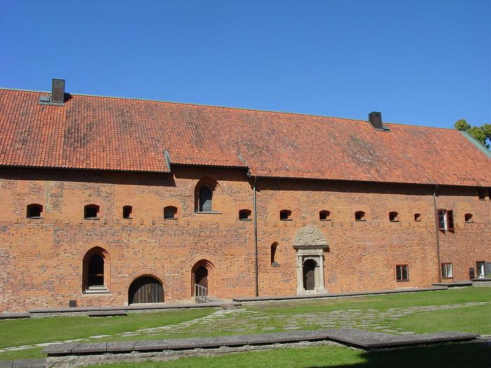 Замок Вадстена (Vadstena) и монастырь Святой Биргитты 70754