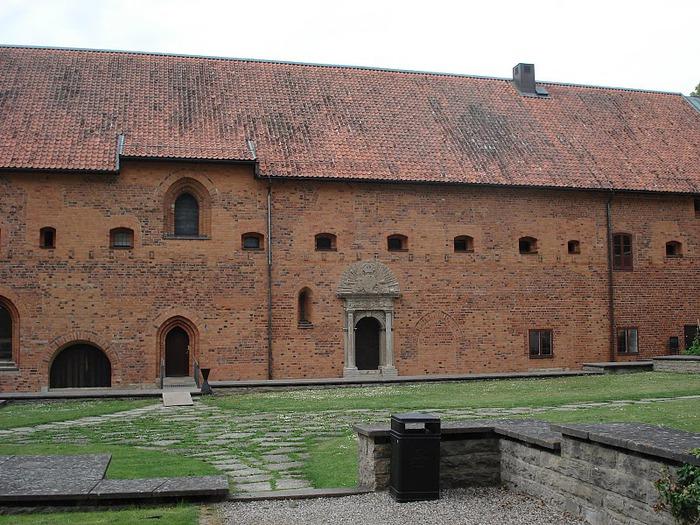 Замок Вадстена (Vadstena) и монастырь Святой Биргитты 34664