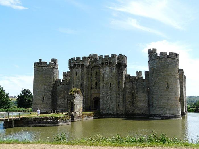 Замок Бодиам (Bodiam) - Графство Сассекс 11527