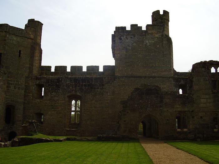 Замок Бодиам (Bodiam) - Графство Сассекс 80193