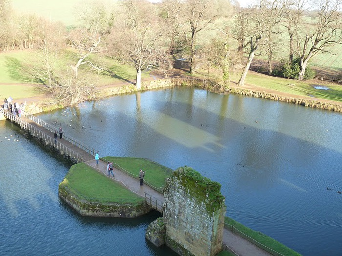 Замок Бодиам (Bodiam) - Графство Сассекс 26033