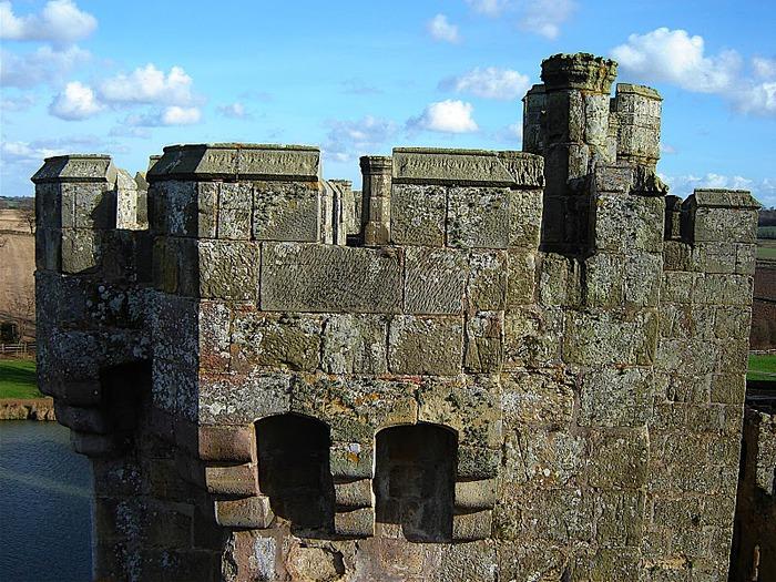Замок Бодиам (Bodiam) - Графство Сассекс 77058