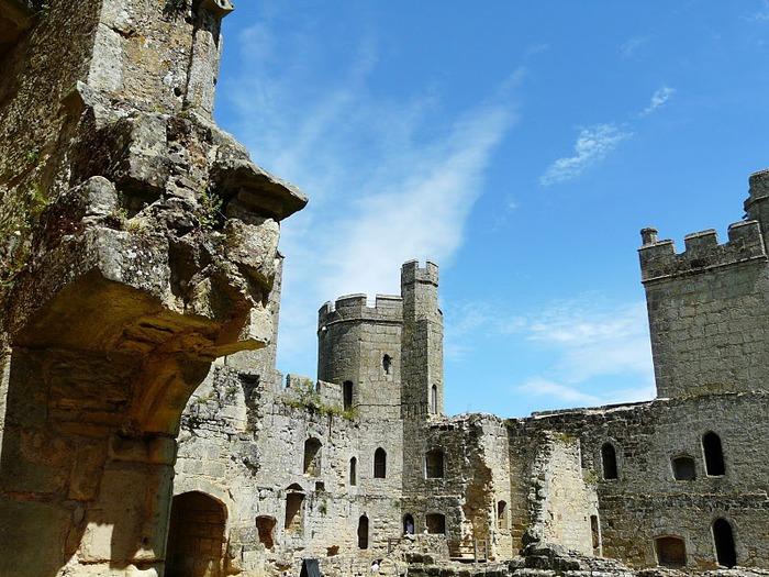 Замок Бодиам (Bodiam) - Графство Сассекс 95632