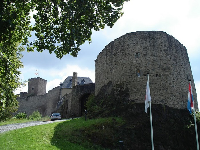 Le chateau de Bourscheid - ЗАМОК Буршейд 77282