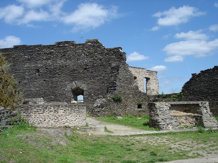 Le chateau de Bourscheid - ЗАМОК Буршейд 51618