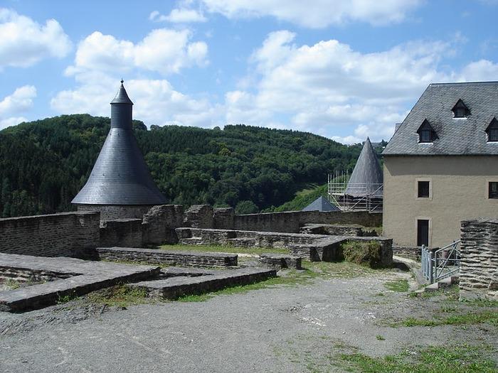 Le chateau de Bourscheid - ЗАМОК Буршейд 93662