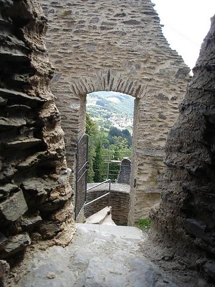 Le chateau de Bourscheid - ЗАМОК Буршейд 66064
