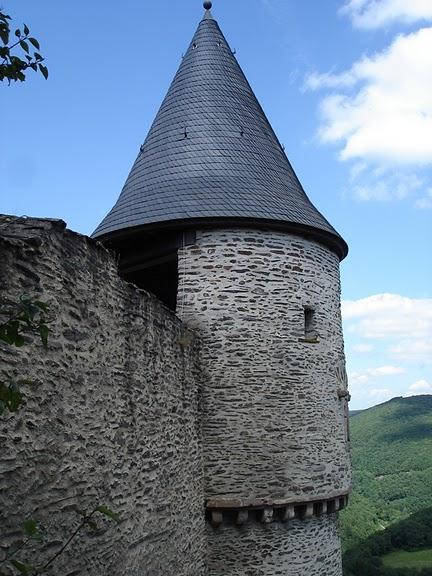 Le chateau de Bourscheid - ЗАМОК Буршейд 54404
