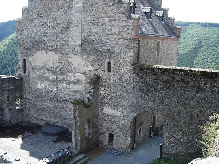Le chateau de Bourscheid - ЗАМОК Буршейд 46292