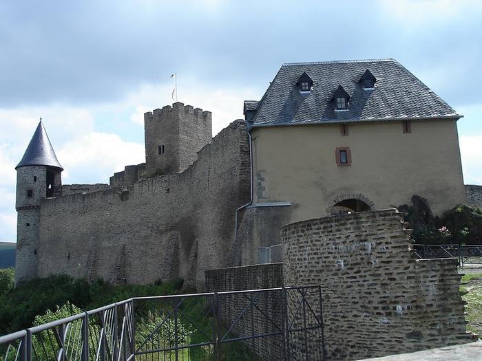 Le chateau de Bourscheid - ЗАМОК Буршейд 29847