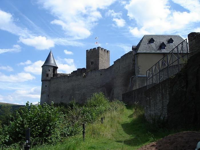 Le chateau de Bourscheid - ЗАМОК Буршейд 55216