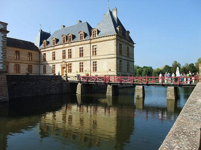 Замок де Корматэн -Chateau de Cormatin 32856
