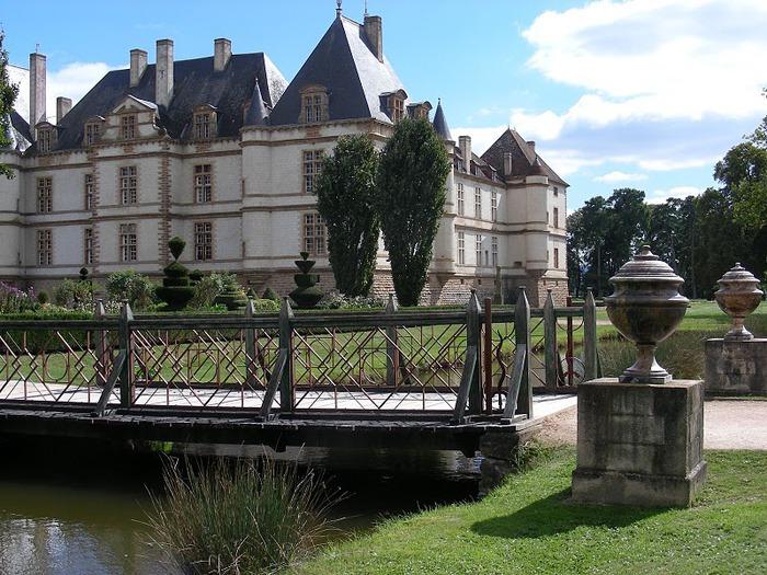 Замок де Корматэн -Chateau de Cormatin 55026