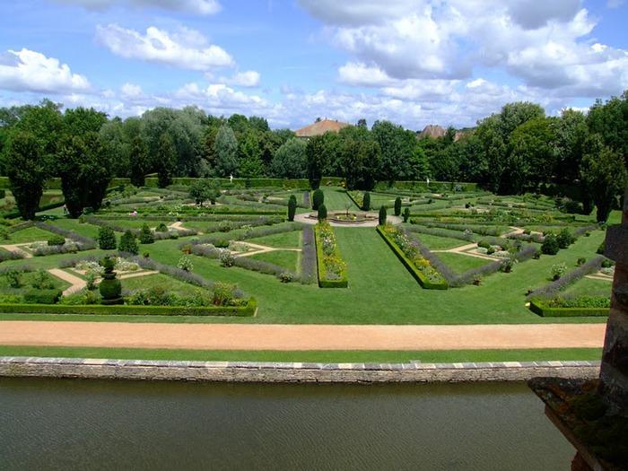 Замок де Корматэн -Chateau de Cormatin 31302