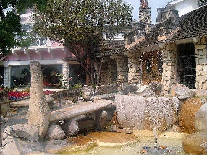 Отель Madonna Inn - Фантазии без границ 71603