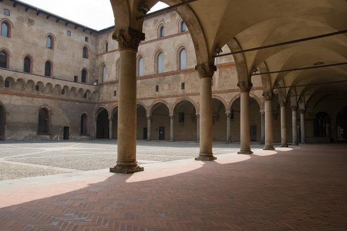 Замок Сфорца (Castello Sforzesco) 42827