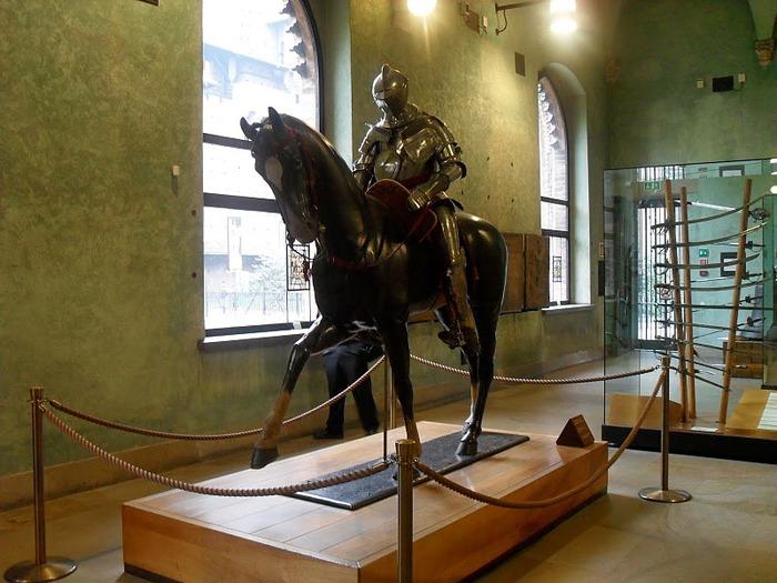 Замок Сфорца (Castello Sforzesco) 43175