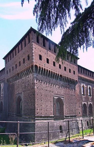 Замок Сфорца (Castello Sforzesco) 22140