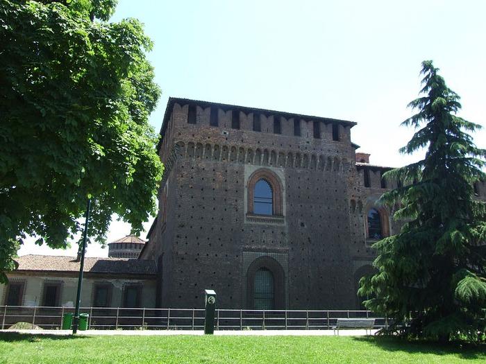 Замок Сфорца (Castello Sforzesco) 59074
