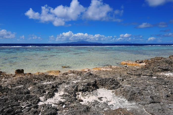 Остров Бора-Бора - жемчужина Тихого океана с перламутровой лагуной 78301