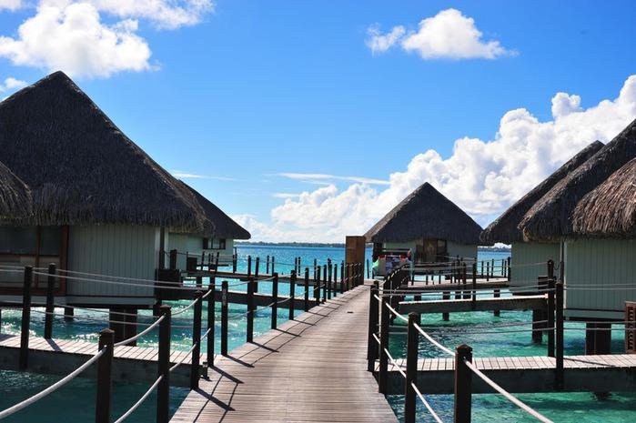 Остров Бора-Бора - жемчужина Тихого океана с перламутровой лагуной 27000