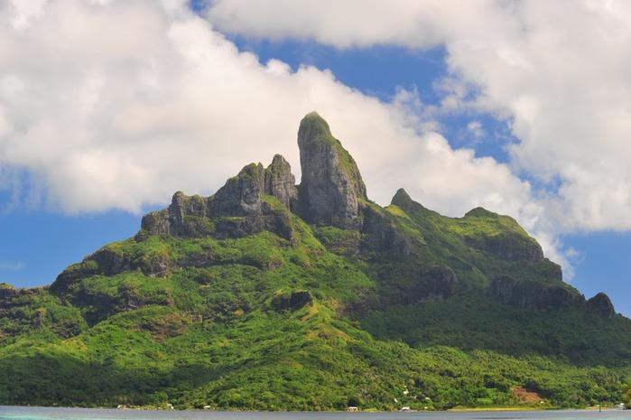 Остров Бора-Бора - жемчужина Тихого океана с перламутровой лагуной 27526