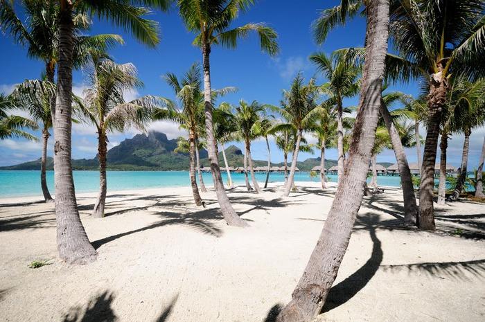 Остров Бора-Бора - жемчужина Тихого океана с перламутровой лагуной 61440