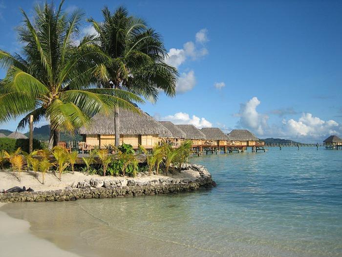 Остров Бора-Бора - жемчужина Тихого океана с перламутровой лагуной 75101