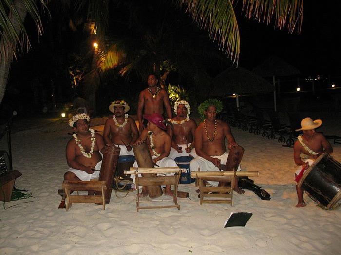 Остров Бора-Бора - жемчужина Тихого океана с перламутровой лагуной 36228
