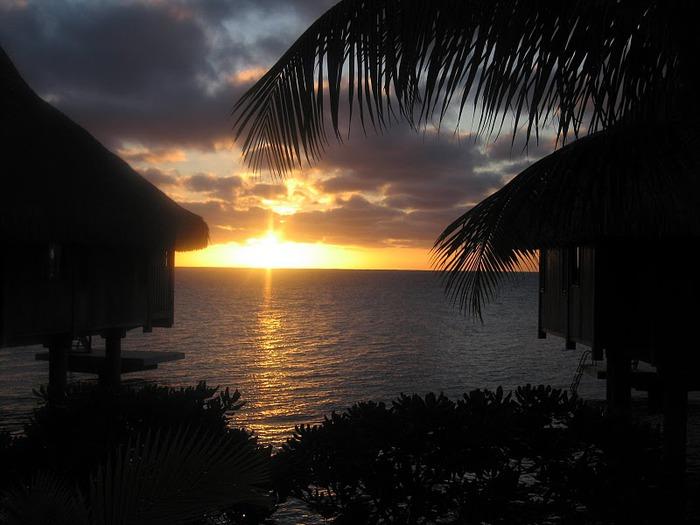 Остров Бора-Бора - жемчужина Тихого океана с перламутровой лагуной 56281