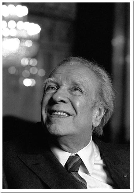 Хорхе Луис Борхес — писатель, в котором иногда видят символ литературы ХХ века