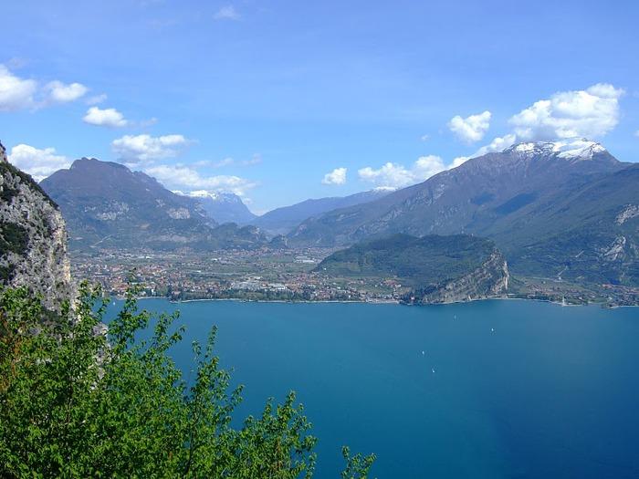 Озеро Гарда – cапфир в ожерелье озер Италии. 65412