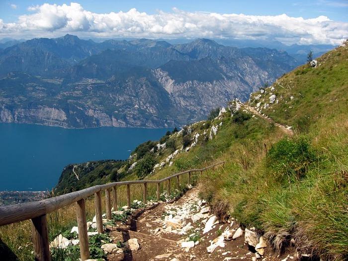 Озеро Гарда – cапфир в ожерелье озер Италии. 29658