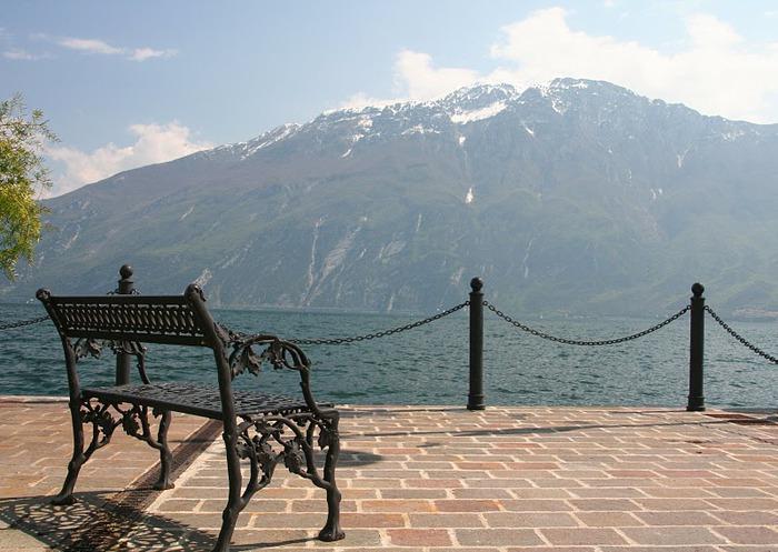 Озеро Гарда – cапфир в ожерелье озер Италии. 31945