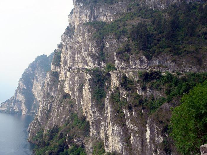 Озеро Гарда – cапфир в ожерелье озер Италии. 44277