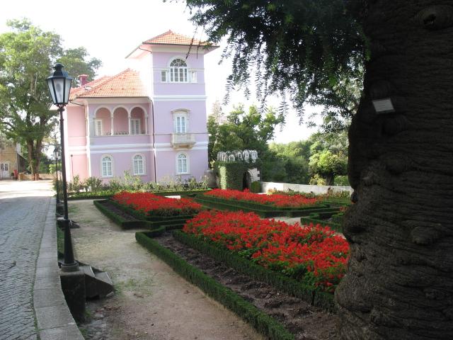 Дворец удовольствий в окружении леса Буссакo 94230