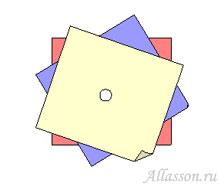 2.Наложить квадраты друг на друга с некоторым смещением и сделать отверстие посередине