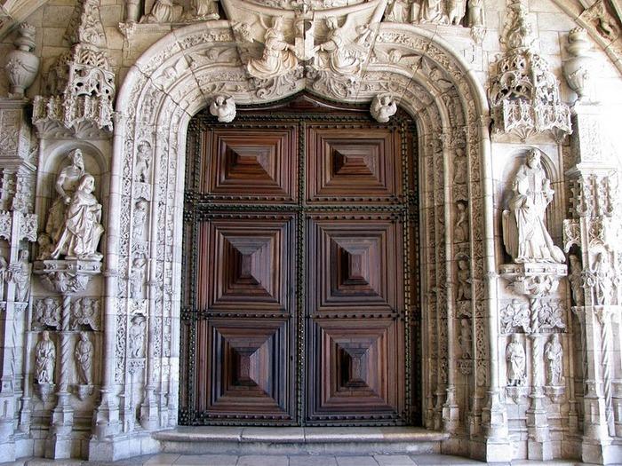 Монастырь Жеронимуш - жемчужина Португалии . 35978