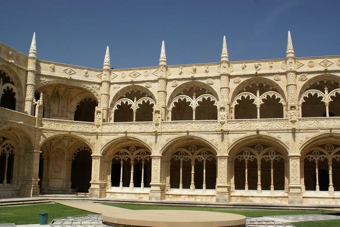Монастырь Жеронимуш - жемчужина Португалии . 25754