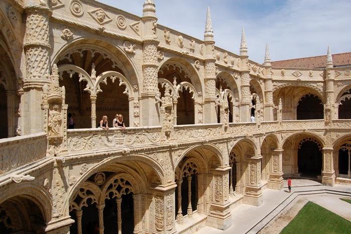 Монастырь Жеронимуш - жемчужина Португалии . 93236