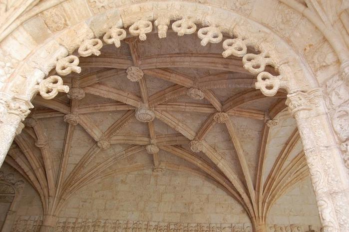 Монастырь Жеронимуш - жемчужина Португалии . 59567