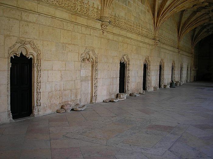 Монастырь Жеронимуш - жемчужина Португалии . 88265