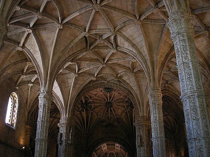 Монастырь Жеронимуш - жемчужина Португалии . 38525