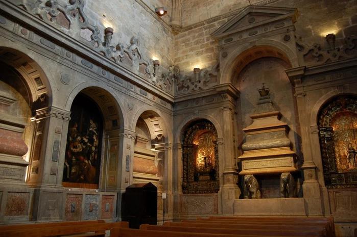 Монастырь Жеронимуш - жемчужина Португалии . 66352