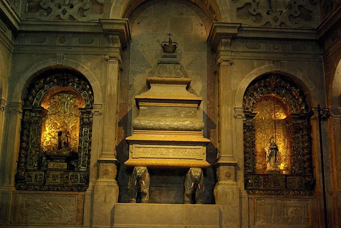 Монастырь Жеронимуш - жемчужина Португалии . 57103