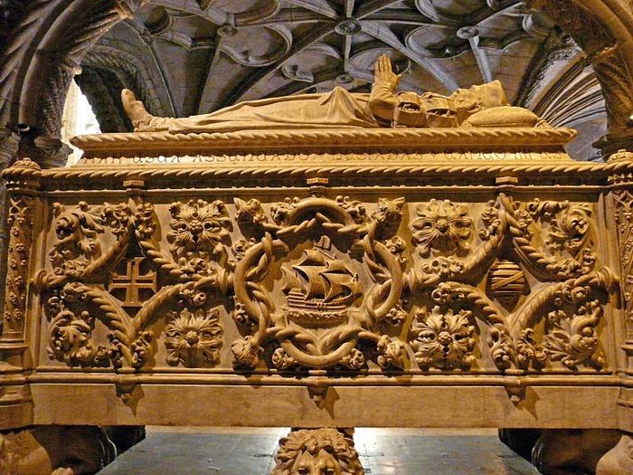 Монастырь Жеронимуш - жемчужина Португалии . 71507