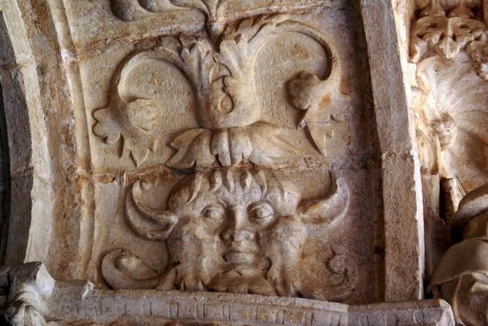 Монастырь Жеронимуш - жемчужина Португалии . 92542