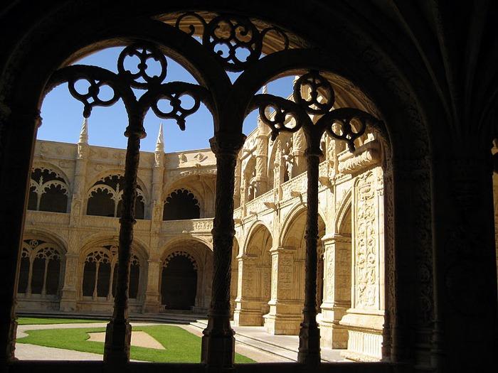 Монастырь Жеронимуш - жемчужина Португалии . 57948