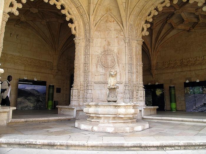 Монастырь Жеронимуш - жемчужина Португалии . 56047